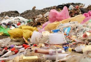 photo credit:https://aashim.files.wordpress.com/2012/03/bio-medical-waste.jpg